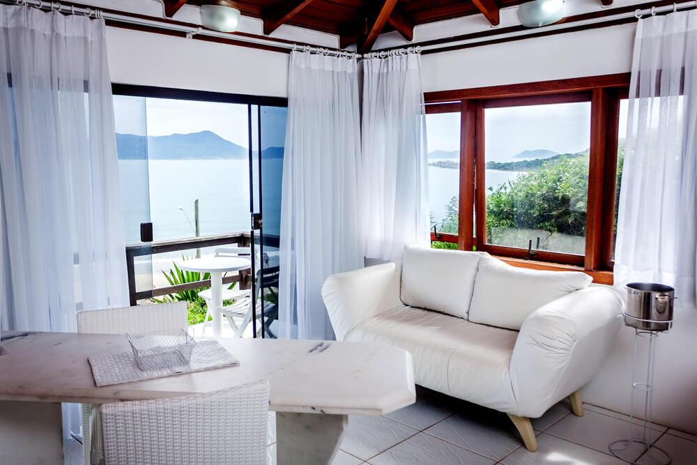 Residencial Rosauros - Pousada Praia de Cima - Pousada Pinheira - Apartamento Branco